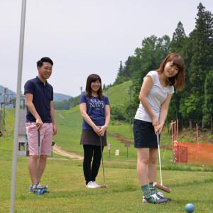 マレットゴルフは、パターゴルフ+ゲートボールみたいな感じらしい