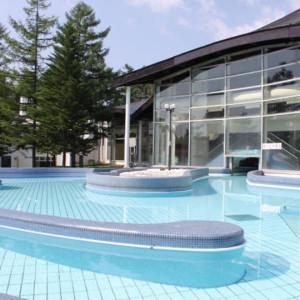 ホテルヴィレッジの屋外プール
