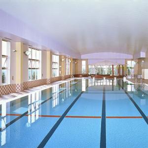 25メートルプールの他にジャグジーと幼児用の浅いプールがあります