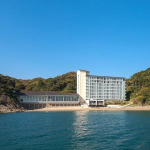 とにかく海とホテルが近いです!