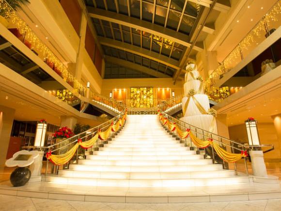 京阪ユニバーサルタワーの大階段