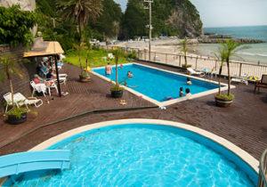 下田大和館の屋外プール