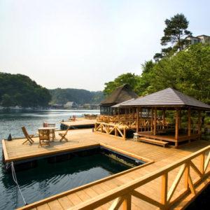 百楽荘の釣り桟橋