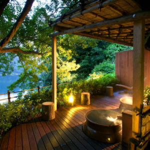 百楽荘の露天壺風呂