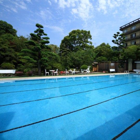 泰泉閣の屋外プール