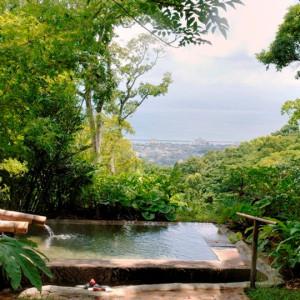 悠離庵の露天風呂2