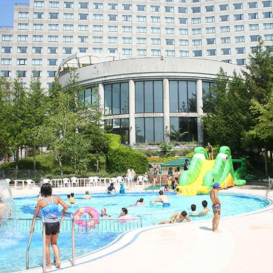 リステル猪苗代の屋外プール