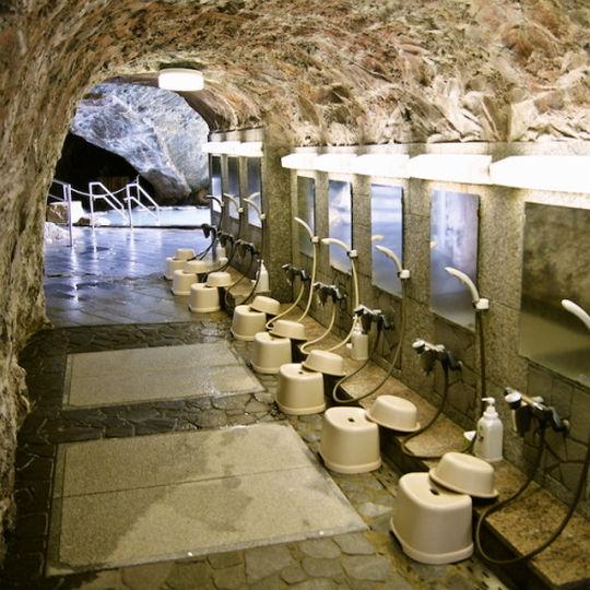 ホテル浦島の忘帰洞の洗い場