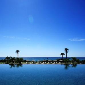 ホテルモントレ沖縄のインフィニティプール