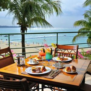 ホテルムーンビーチの朝食会場
