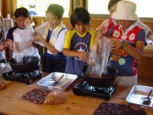 ばしゃ山村お菓子作り体験