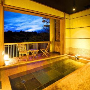百楽荘の貸切露天風呂