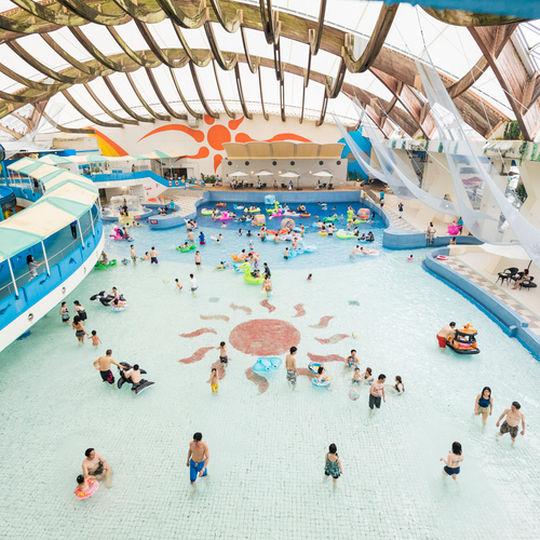 洞爺サンパレスのプール2