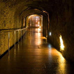 百楽荘の手掘りの洞窟