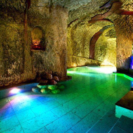百楽荘の洞窟風呂