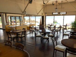 オンザビーチルーのレストラン